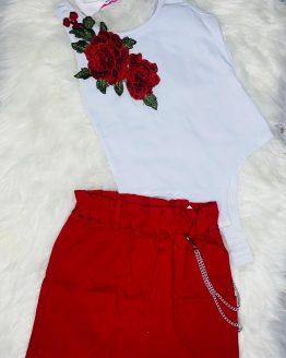 conjunto hecho por baby Daia shop, falda de color rojo y body de tirantes con rosas