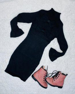 Vestido lazo negro, es de tuvo y cuello alto, con volantes en las mangas, queda ajustado al cuerpo. Tallas pares. Puedes combinarlo con los botines brillo o el chaleco de pelo disponibles en nuestra pagina web. BABYDAIASHOP , COMPRA ONLINE , ARTICULOS PARA BEBES Y NIÑOS .