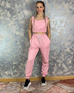 Conjunto Pekín rosa , compuesto por top de tirantes y pantalón con cintura engomada con cordones ajustables , bolsillos y puños. Talla única (desde 34 hasta 40). Puedes combinarlo con nuestras deportivas silver disponibles en la sección de calzado.